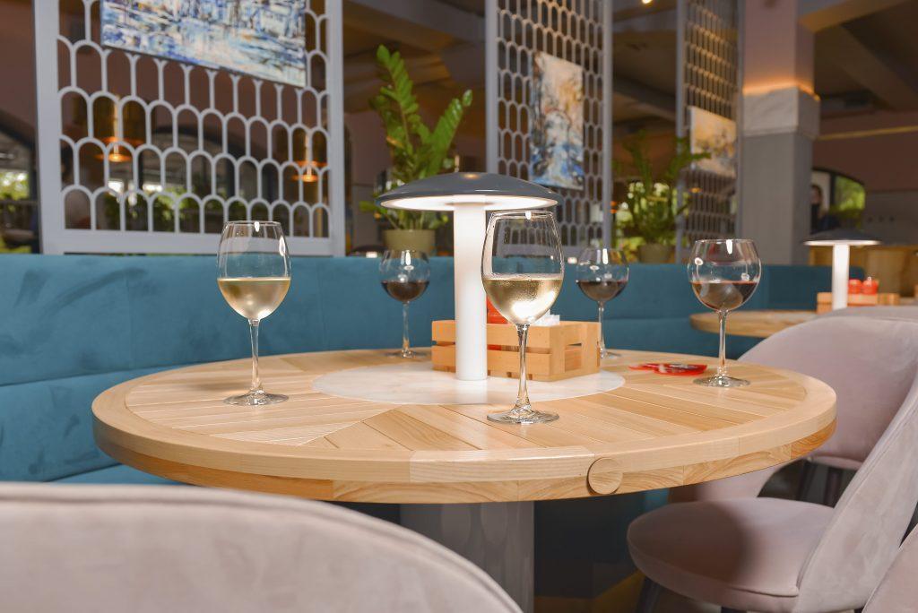 Arredamento Ristorante Wine Club