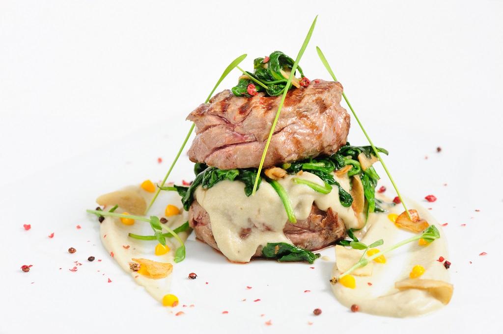 carne di manzo e spinaci