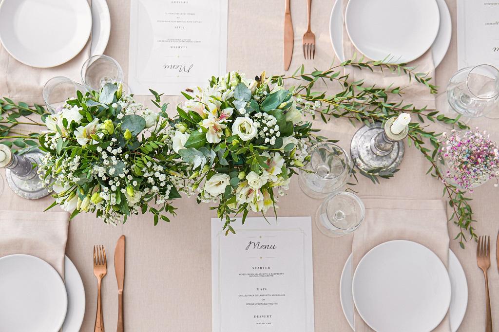 come scegliere i fiori a tavola